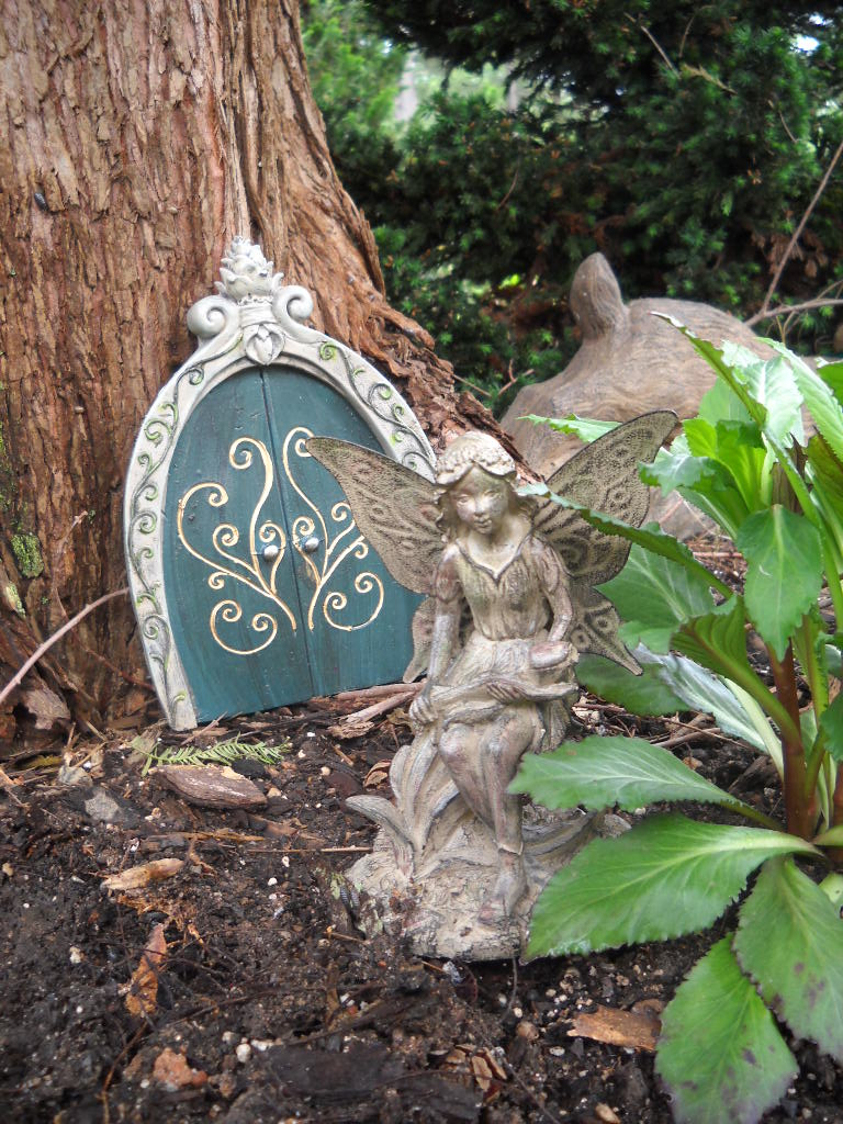 Fairy Gardens All The Rage – Plants for Fairy Gardens